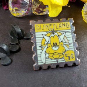 4/$25 Disneyland Goofy 5 Cent Stamp Pin